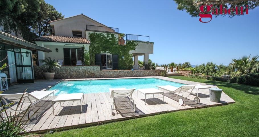 Villa con piscina con stupenda vista mare rif 221 argentario immobiliare - Villa con piscina roma ...