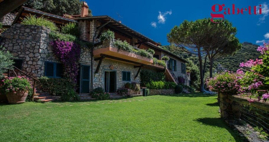 Argentario immobiliare affitti ville porto santo stefano - Foto ville con giardino ...